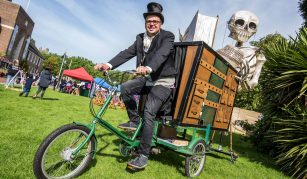 30 November 2019, Bones of Paine after dark puppet parade @PHM & WCML by Walk the Plank ©Chris Payne