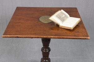 Thomas Paine's desk, late 1700s © People's History Museum