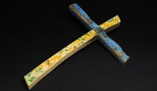 The Lampedusa cross, Francesco Tuccio, 2015, wood. © The Trustees of the British Museum