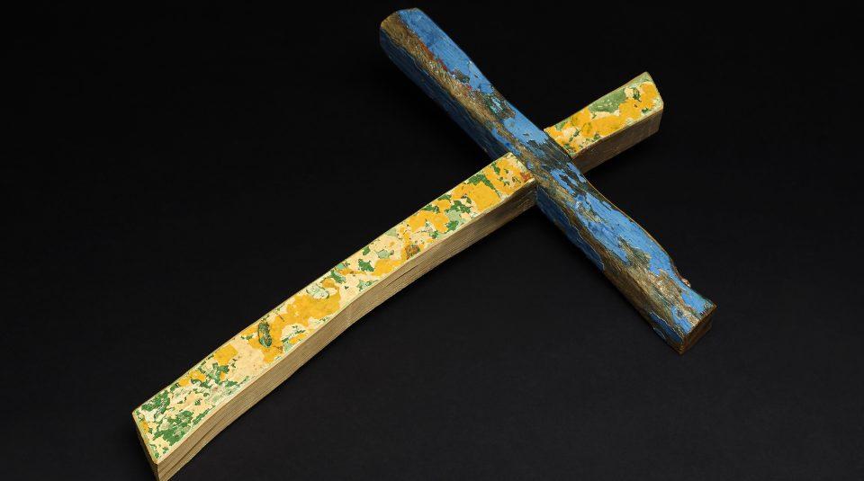 The Lampedusa cross, Francesco Tuccio, 2015, wood. © The Trustees of the British Museum