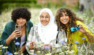 Arab British Centre Jarda group workshop with Jessica El Mal at RHS Bridgewater. Photo RHS/Mark Waugh.